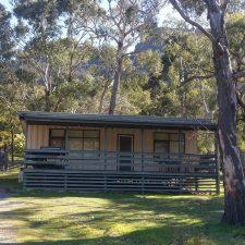 Cockatoo Cabin: Halls Gap, Grampians